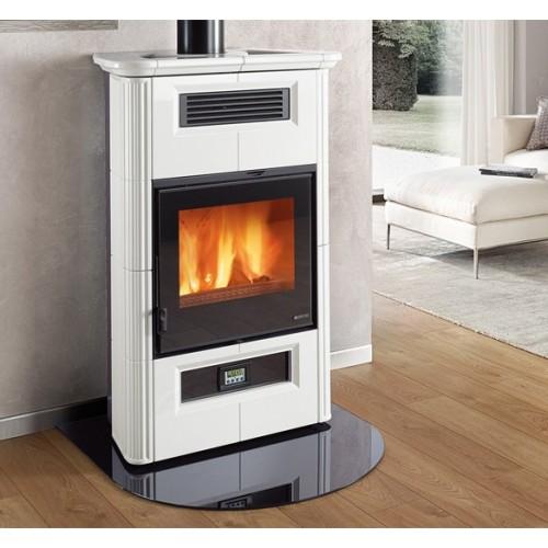 WANDA CLASSIC EVO Kanalisierter Ofen mit Keramikverkleidung