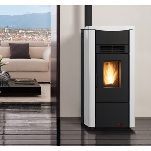 La Nordica Extraflame Pelletsöfen GIUSY PLUS 8 kW kanalisierter mit lackierter Stahlverkleidung und Keramiktop 1280550