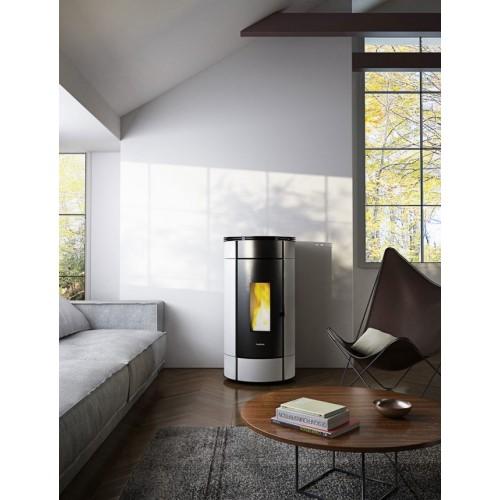 Pellet-Ofen mit Verkleidung aus farbigem Stahl GLOBE 10,5 KW