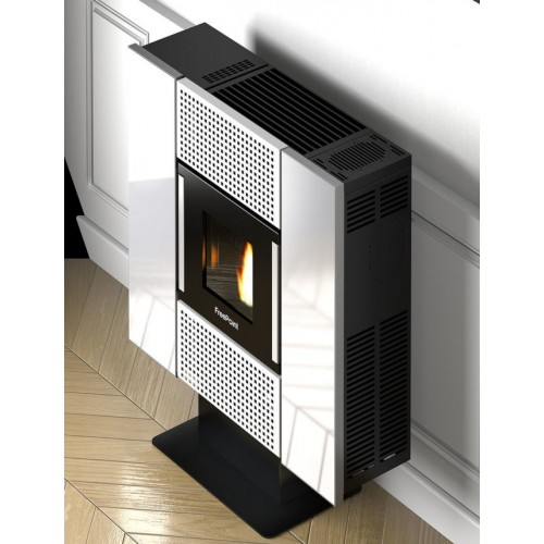 Favorit SQUARE 6,5 KW Pellet-Ofen mit Verkleidung aus farbigem Stahl BY41